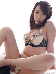 Kisaki Aya doing nice footjob