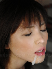 Sexy gal Arisa Suzuki sucks a fine pecker
