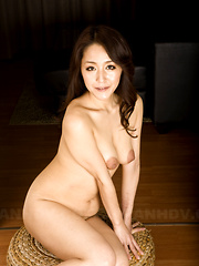 Sexy Nao Kato shows her terrific bushy cunt