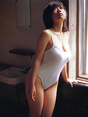 Hitomi Kitamura Asian with big assets loves biking and pictures