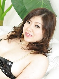 mature model Jun Sena