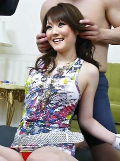 mature model Huwari
