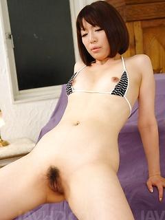 mature model Izumi Manaka