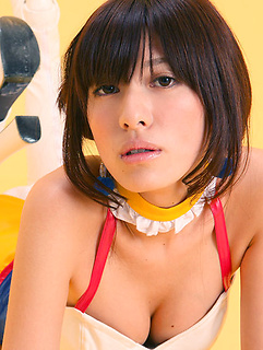 mature model Mana Mizuno