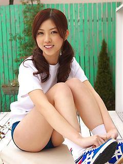 mature model Azusa Togashi