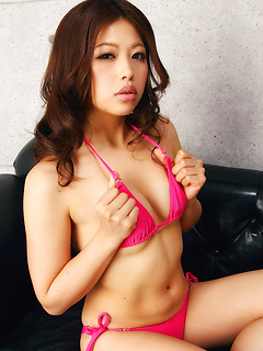 mature model Asuna Kawai